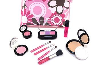 Little Cosmetics Essential Set